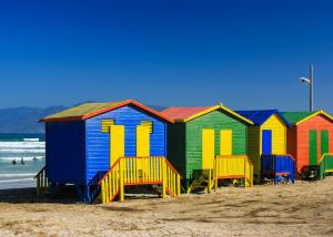 Bunte Strandhütten in Muizenberg - Traumurlaub Südafrika - Urlaubsengel Reisebüro Weinheim