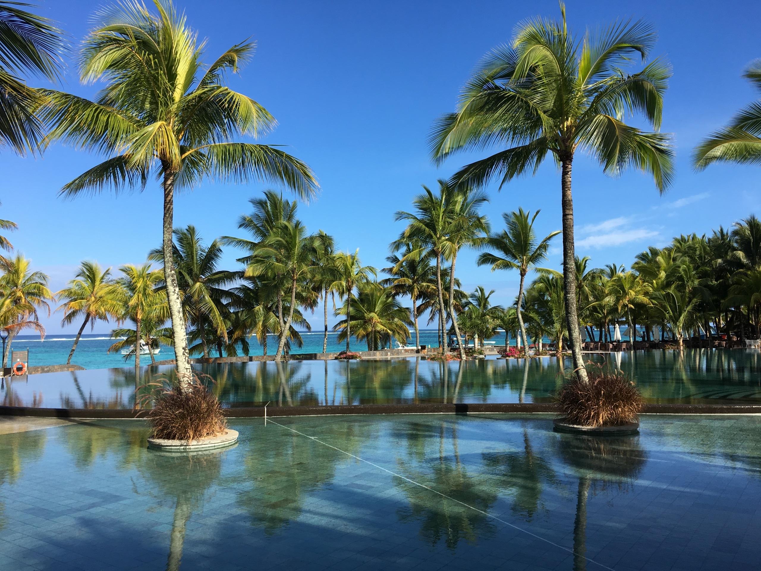 Pool Beachcomber Trou aux Biches - Traumurlaub Mauritius - Urlaubsengel Reisebüro Weinheim