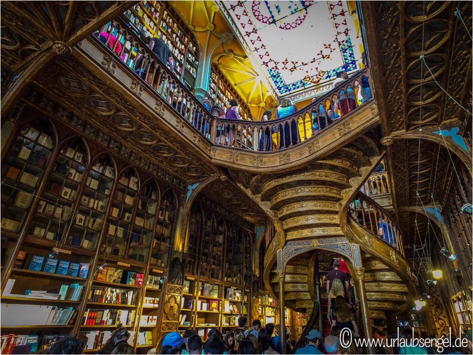 Buchhandlung Lello - Livraria Lello, Porto mit Urlaubsengel