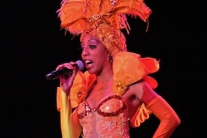 Sängerin in Tropicana Show - Traumreisen Kuba