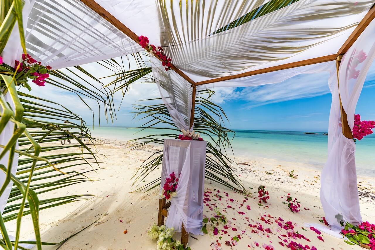 Hochzeitsreise-Pavillon, Hochzeit am Strand
